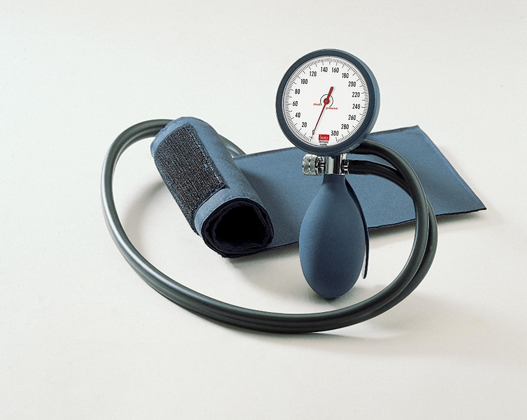 boso clinicus II Blutdruckmessgerät blau mit Klettenmanschette, Ø 60 mm